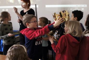 Odejść po królewsku. O ceremoniale pogrzebu królewskiego.