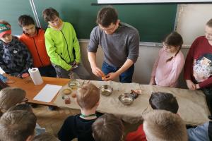 Rycerz kontra ślimak. Sztuka w średniowieczu